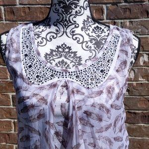 NWOT Beautiful women's blouse